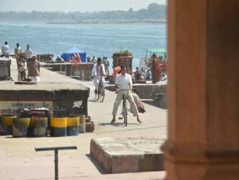 Check out: Akshay Kumar and Radhika Apte shoot a song in Maheswar for Padman