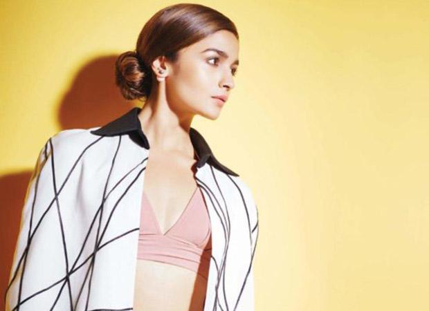 Alia Bhatt mimicks Mahesh Bhatt