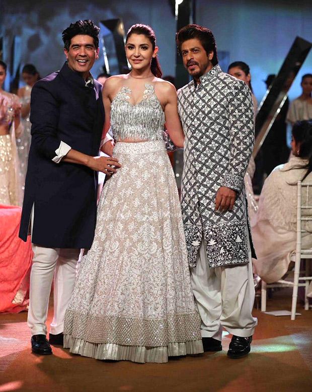 Check out Shah Rukh Khan and Anushka Sharma look regal at the Mijwan Fashion Show