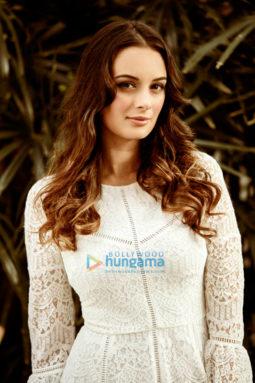 Celebrity Photos of Evelyn Sharma
