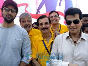 Kunal Kapoor and Jeetendra at 'Juhu Half Marathon'