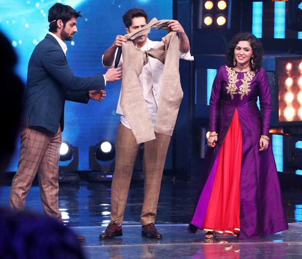 Varun Dhawan's pants gets ripped on stage features
