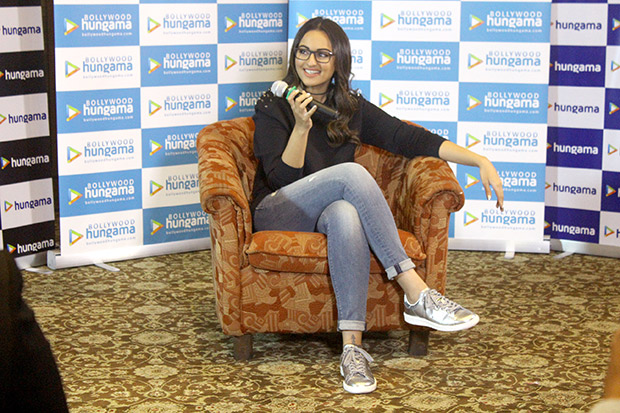 Check out Fans have a blast with Sonakshi Sinha at the Bollywood Hungama Meet N Greet-1