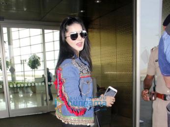 Deepika Padukone, Shraddha Kapoor, Arjun Kapoor and others snapped at the airport