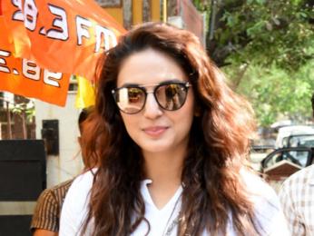 Huma Qureshi snapped post salon session at B'Blunt