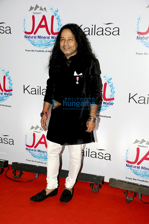 Kailash Kher celebrates 10 years in industry and Padma Shri honour