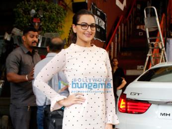 Sonakshi Sinha at the 'Junkyard Café' for her film Noor's promotions