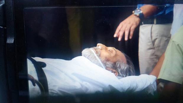 Veteran actor Vinod Khanna embarks on his final journey