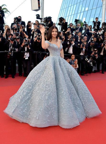 Aishwarya Rai Bachchan looks like-4