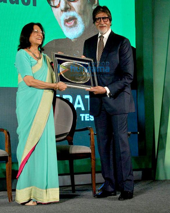 Amitabh Bachchan graces the Hepatitis awareness event in Mumbai