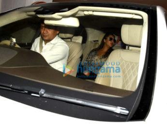 Gauri Khan, Sussanne Roshan & Maheep Kapoor snapped post dinner at Karan Johar's house