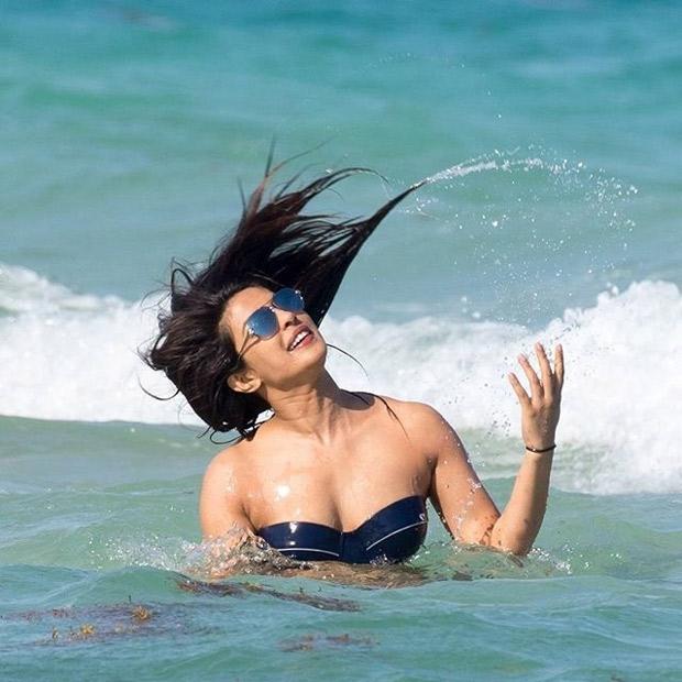 HOT! Priyanka Chopra flaunts her curves in a SEXY bikini with Victoria's Secret model Adriana Lima at Miami Beach-5