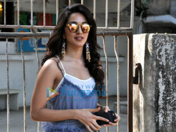 Kiara Advani snapped post her salon session in Juhu