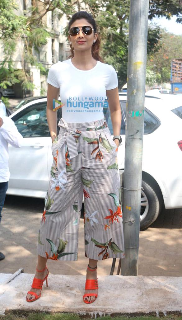 Shilpa Shetty unveils Yoga art installation in Juhu