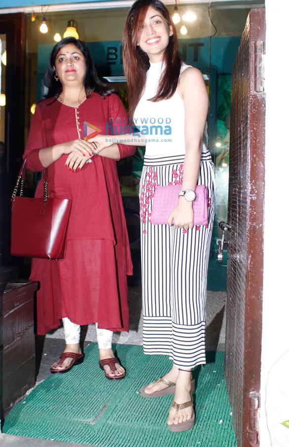 Yami Gautam snapped post her salon session
