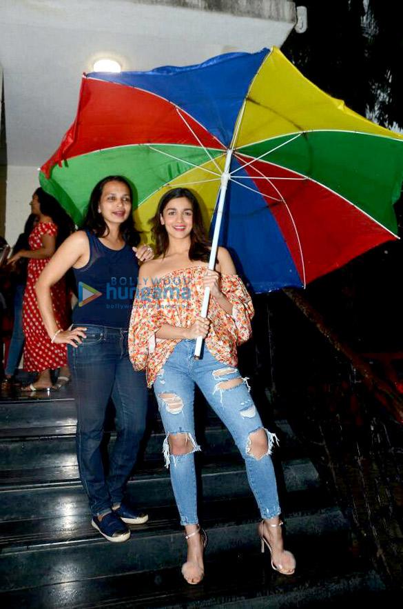 Alia Bhatt snapped post Facebook chat with dietician Rujuta Diwekar