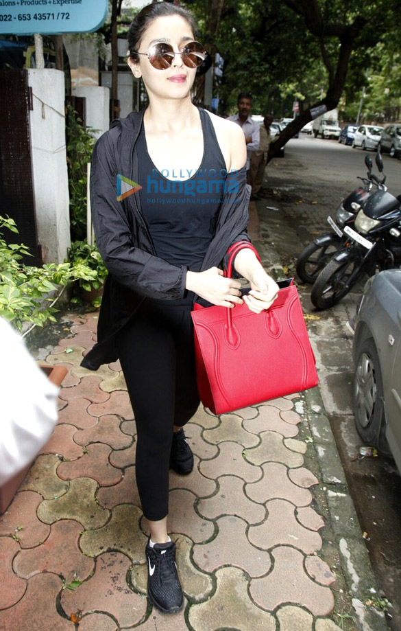 Alia Bhatt snapped a post salon session at B'blunt