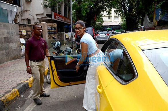 Ileana D'Cruz snapped post a meeting in Mumbai