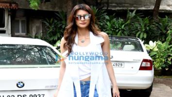 Kriti Sanon snapped at BR Chopra's office in Bandra