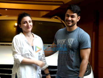 Kunal and Soha ali Khan snapped in Bandra