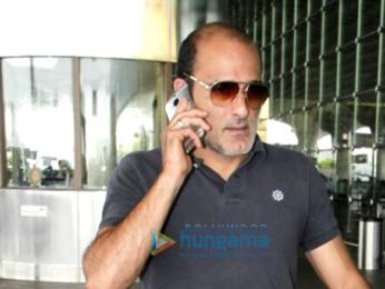 Sridevi and Akshaye Khanna snapped at the airport