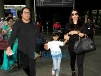 Aishwarya Rai Bachchan and Aaradhya Bachchan snapped at the airport