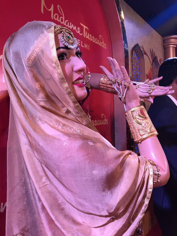 Check out Madhubala gets a wax statue as Mughal-e-Azam's Anarkali at Madame Tussauds in Delhi5