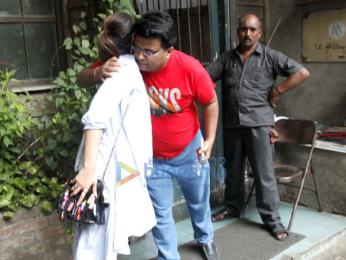 Ileana D'Cruz snapped post meeting with Tanuj Garg