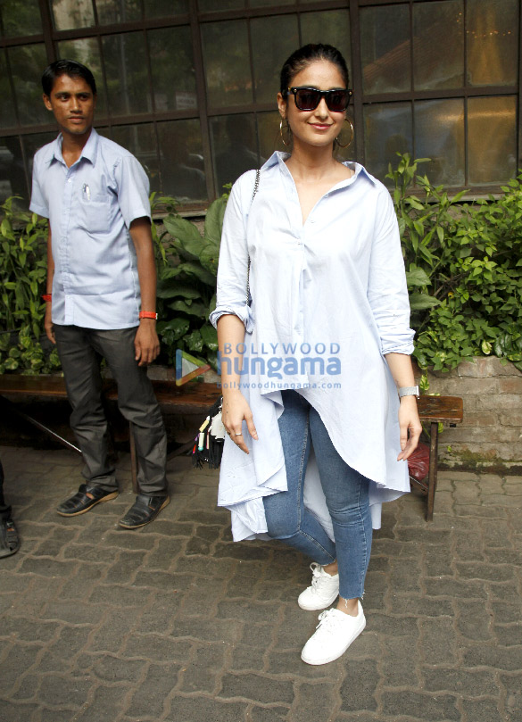 Ileana D'Cruz snapped post meeting with Tanuj Garg