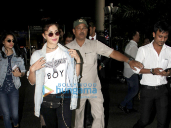 Jacqueline Fernandez spotted at the airport after returning from Tokyo