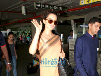 Karisma Kapoor, Kangana Ranaut and Manyata Dutt snapped at the Mumbai airport