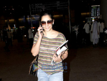 Karisma Kapoor, Kangana Ranaut and Manyata Dutt snapped at the Mumbai airport