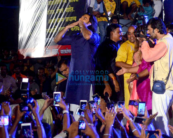 Ranveer Singh graces Dahi Handi celebrations in Mumbai