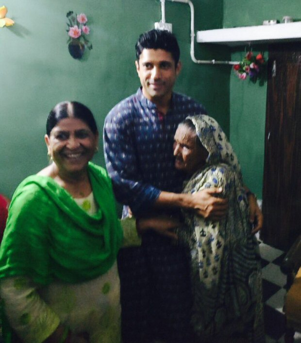 WOW! Farhan Akhtar gets overwhelmed by the love he receives in his ancestral village2