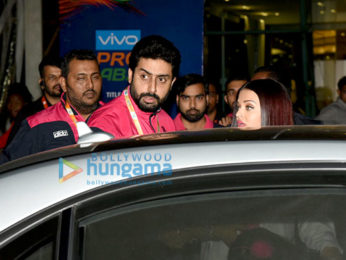 Abhishek Bachchan, Aishwarya Rai Bachchan and Sachin Tendulkar at Pro Kabaddi League match