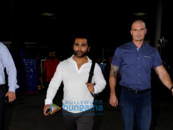Aditya Roy Kapur, Kriti Sanon, Aditi Rao Hydari and others snapped at airport