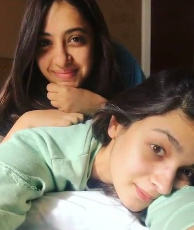 Check out Alia Bhatt heads to Kashmir for Raazi; bff Akansha joins her for the schedule 3