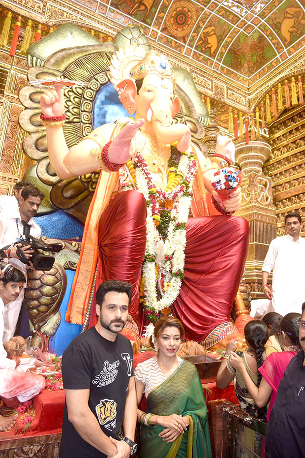 Check out Emraan Hashmi seeks blessings of Lalbaugcha Raja ahead of Baadshaho release