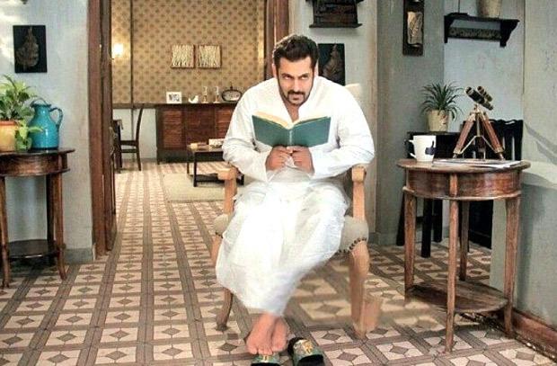 REVEALED Salman Khan plays Padosan's Kishore Kumar in this promo
