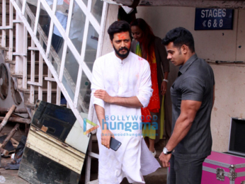 Riteish Deshmukh spotted after photoshoot at Mehboob Studio