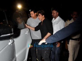 Shah Rukh Khan snapped post dubbing in bandra