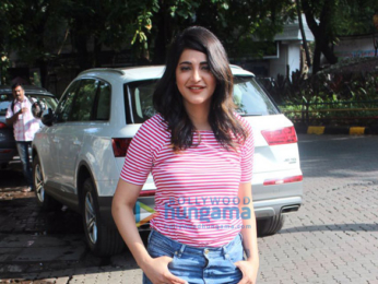 Shruti Haasan snapped in Bandra