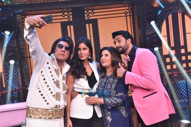 Check out Katrina Kaif grooves with Abhishek Bachchan on 'Sheila Ki Jawaani' (4)