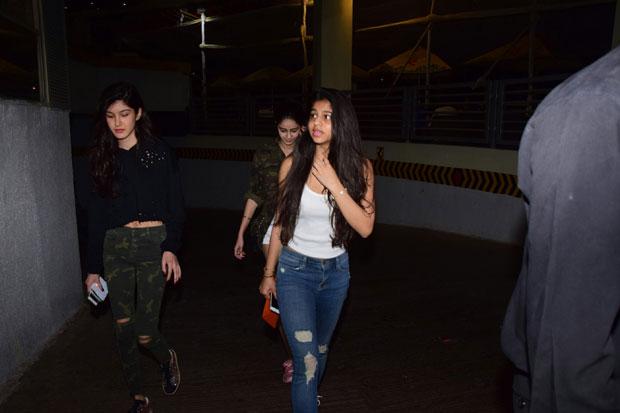 Girl gang Suhana Khan, Ananya Panday and Shanaya Kapoor enjoy a movie night-4