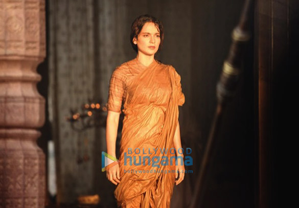 SNEAK PEEK Kangana Ranaut looks epic in the warrior look of Rani Laxmibai-4