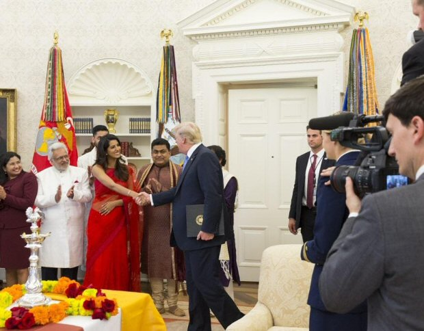 Scoop Look which Ex-Miss India recently celebrated Diwali with US President Donald Trump2