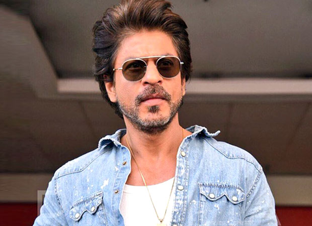 Shah Rukh Khan's heart-warming gesture for his fan who is a cancer patient will definitely leave you teary eyed