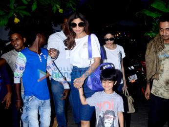 Shilpa Shetty and Shamita Shetty snapped at Candies