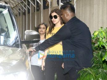 Anushka Sharma snapped at Bblunt
