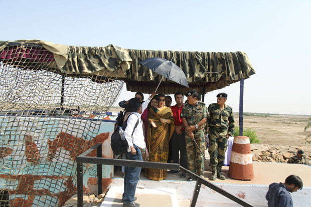 Check out Sulu aka Vidya Balan enthralls soldiers on India- Pakistan border